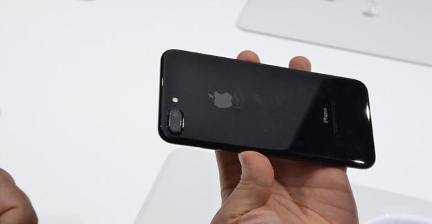 Türkiye'ye gelmeden iPhone7'nin kaçağı geldi