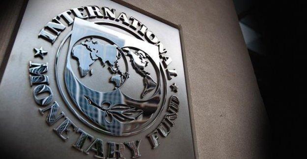 Moğolistan IMF'ye razı oldu